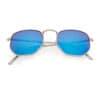 Trendy zonnebril hoeken blauwe spiegel lenzen